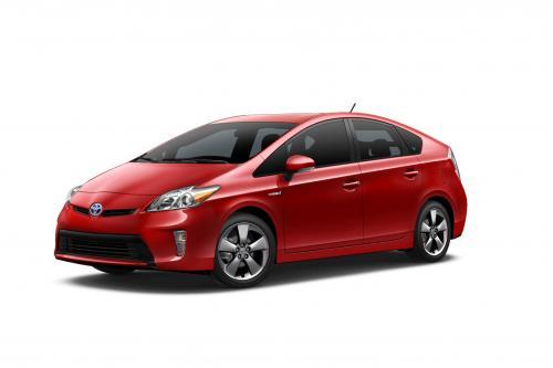 Тойота Добавляет Персона Специальное Издание Для Prius Диапазон