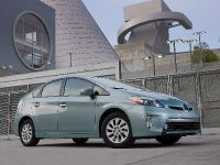 2015 Toyota Prius Plug-In Hybrid, 7 of 22