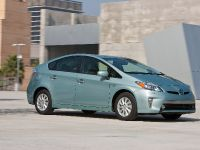 2015 Toyota Prius Plug-In Hybrid, 9 of 22