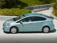2015 Toyota Prius Plug-In Hybrid, 13 of 22