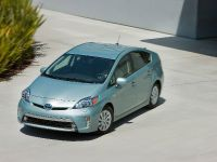 2015 Toyota Prius Plug-In Hybrid, 14 of 22
