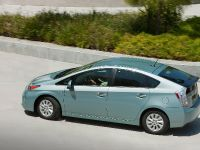 2015 Toyota Prius Plug-In Hybrid, 15 of 22