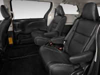 2015 Toyota Sienna, 4 of 6