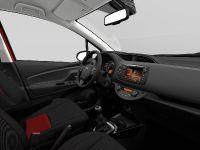 2015 Toyota Yaris, 44 of 54