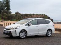 2015 Toyta Prius V, 3 of 5