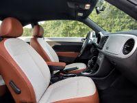 2015 Volkswagen Beetle Classic, 2 of 2