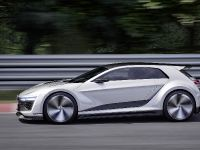 thumbnail image of 2015 Volkswagen Golf GTE Sport Concept