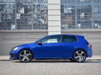 2015 Volkswagen Golf R, 2 of 4