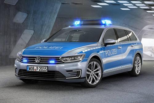 Немецкая полиция получить Фольксваген Пассат ГТД плагин-гибрид