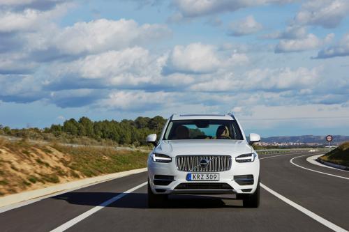 Компания Volvo готова представить еще один гибридный