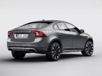 2015 Volvo S60 Cross Country, 2 of 3