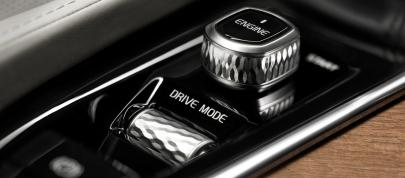 Volvo XC90 Interior (2015) - picture 7 of 12