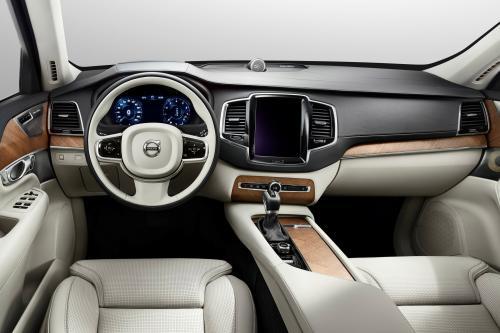 Volvo показала 2015 XC90 в интерьере