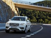 2015 Volvo XC90 T8 Petrol Plug-in Hybrid, 2 of 6