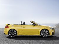 2016 Audi TT RS Roadster, 7 of 12