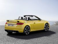 2016 Audi TT RS Roadster, 8 of 12