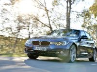 2016 BMW 3 Series Sedan, 2 of 28