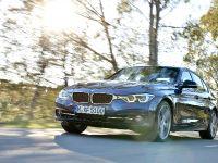 2016 BMW 3 Series Sedan, 2 of 28
