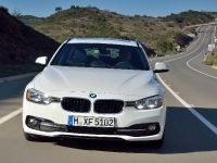 2016 BMW 320d Touring EfficientDynamics Edition, 2 of 27