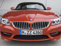 2016 BMW Z4 E89 sDrive35 in Valencia Orange Metallic, 2 of 18