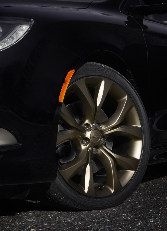 Chrysler 200S Alloy Edition