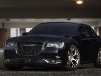 2016 Chrysler 300S Alloy Edition, 2 of 9