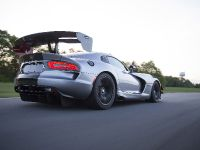 thumbnail image of 2016 Dodge Viper ACR with Kumho Tires