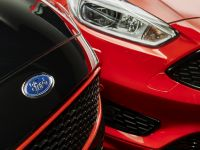 2016 Ford Focus Red and Black Editions, 5 of 7