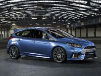 2016 Ford Focus RS, 3 of 5