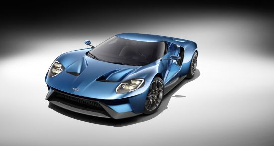 Ford GT with carbon wheels
