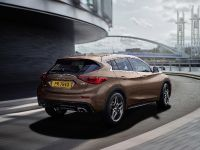 2016 Infiniti Q30 Active Compact , 9 of 19