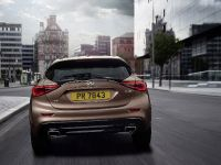 2016 Infiniti Q30 Active Compact , 11 of 19
