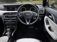 2016 Infiniti Q30 Active Compact , 14 of 19