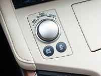 2016 Lexus ES 300h, 13 of 22