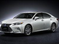 2016 Lexus ES, 2 of 6