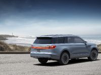 2016 Lincoln Navigator Concept , 2 of 9
