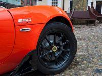 2016 Lotus Elise Cup 250 , 3 of 3