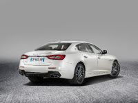 2016 Maserati Quattroporte GranLusso and GTS GranSport, 6 of 8