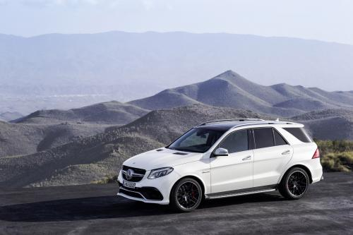 https://cdn1.automobilesreview.com/img/2016-mercedes-benz-gle-63-amg/slides500/2016-mercedes-benz-gle-63-amg-09.jpg
