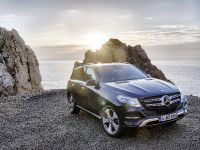2016 Mercedes-Benz GLE, 2 of 48