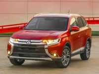 2016 Mitsubishi Outlander , 4 of 24