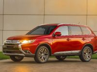 2016 Mitsubishi Outlander , 10 of 24