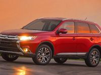 2016 Mitsubishi Outlander , 11 of 24