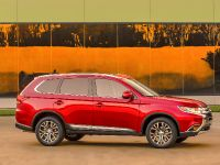 2016 Mitsubishi Outlander , 14 of 24