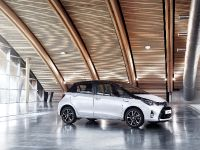 2016 New Design Toyota Yaris, 1 of 4