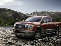 2016 Nissan Titan XD, 4 of 24