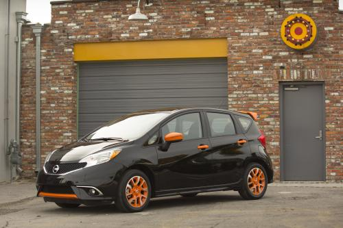 Nissan Versa Note color studio