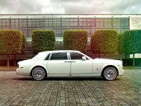 2016 Rolls-Royce Phantom Jade Pearl, 2 of 5
