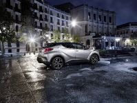 2016 Toyota C-HR SUV, 2 of 4