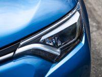 2016 Toyota RAV4 Hybrid, 28 of 53